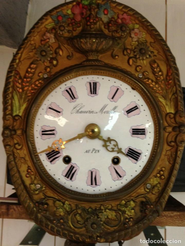 Relojes de pared: PRECIOSO RELOJ MOREZ POLICROMADO CON PENDULO REAL- AÑO 1880-FUNCIONAL-REPITE HORAS- lote 186 - Foto 13 - 162098882