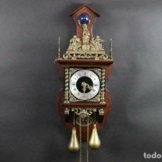 Relojes de pared: ANTIGUO RELOJ PARED PESAS PENDULO SONERIA MADERA LATON FUNCIONANDO. Lote 162232634