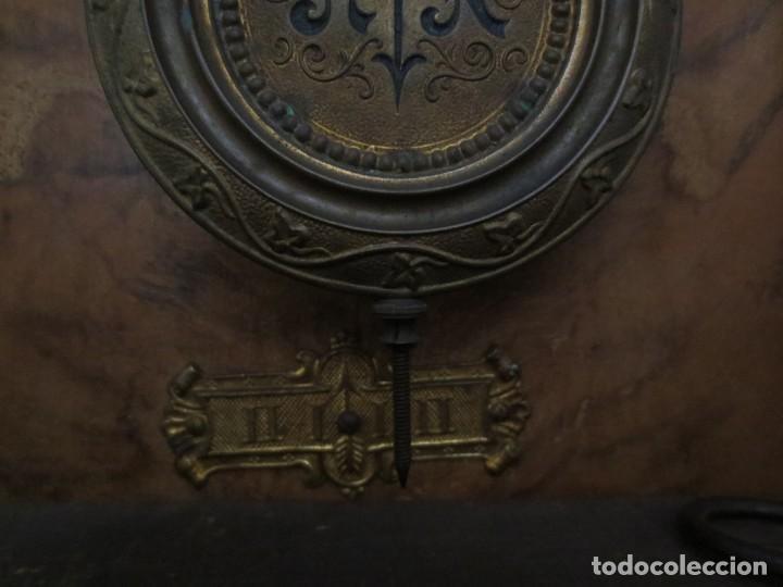 Relojes de pared: RELOJ DE PARED DE CARGA MANUAL - 55 X 28 X 15 cm . MUY ANTIGUO. - Foto 4 - 162306886