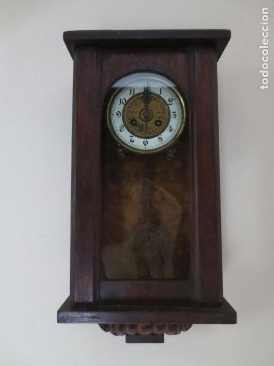 Relojes de pared: RELOJ DE PARED DE CARGA MANUAL - 55 X 28 X 15 cm . MUY ANTIGUO. - Foto 7 - 162306886