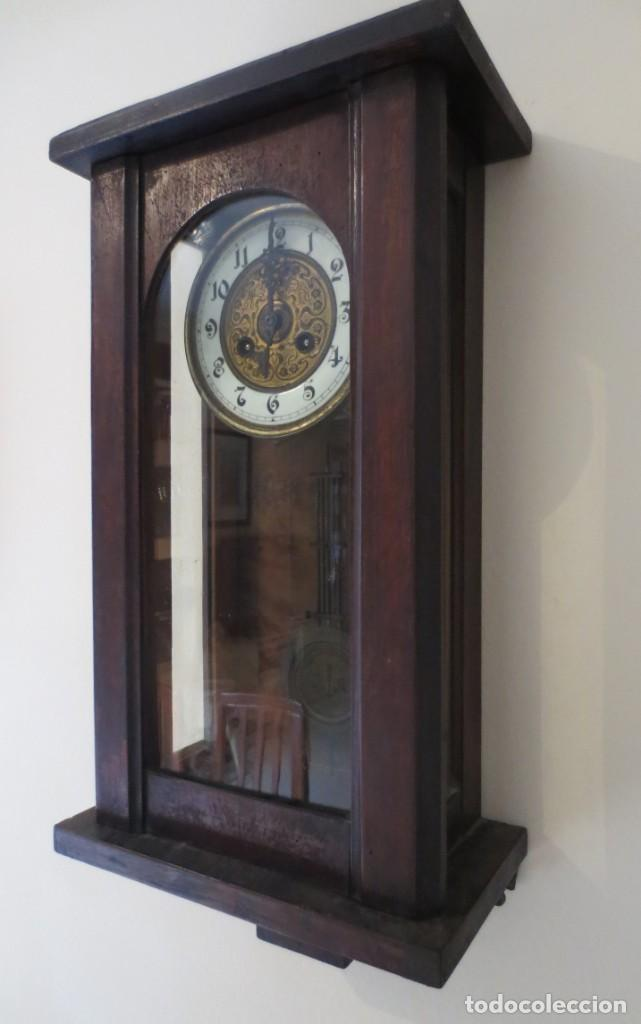 Relojes de pared: RELOJ DE PARED DE CARGA MANUAL - 55 X 28 X 15 cm . MUY ANTIGUO. - Foto 8 - 162306886