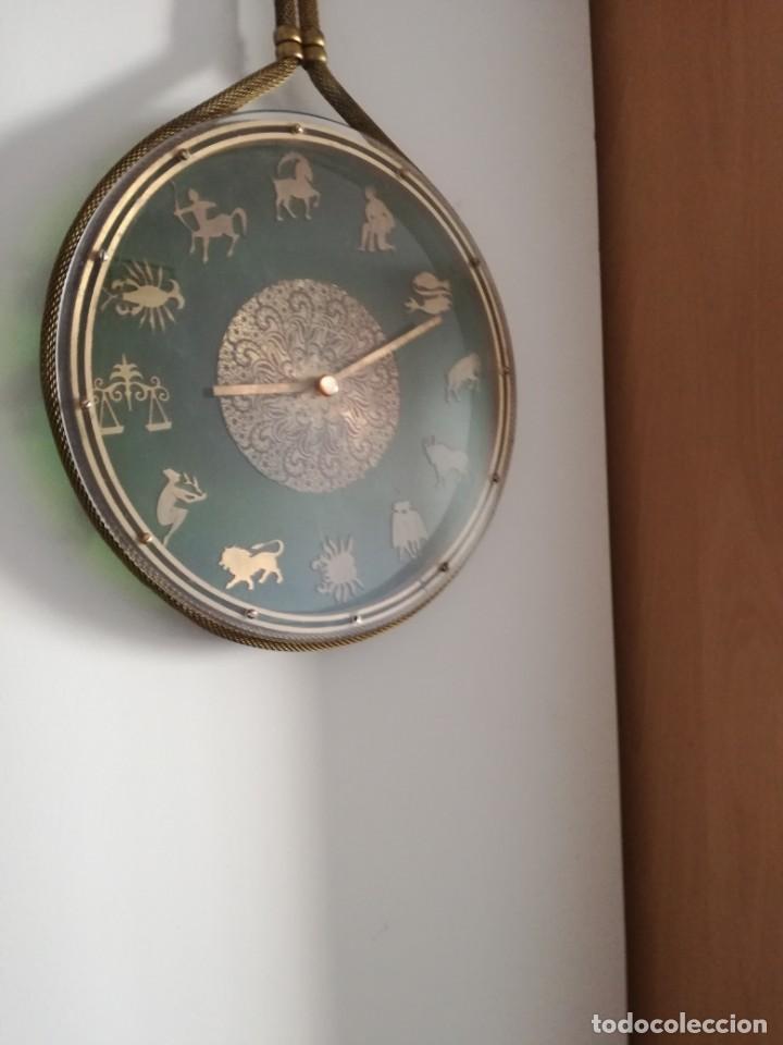 Relojes de pared: RELOJ ZODIACAL DE PARED FUNCIONANDO 60 AÑOS PERFECTO USA 1 PILA ALCALINA 1,5 VOLTS DIÁMETRO 30 CM - Foto 6 - 163969038
