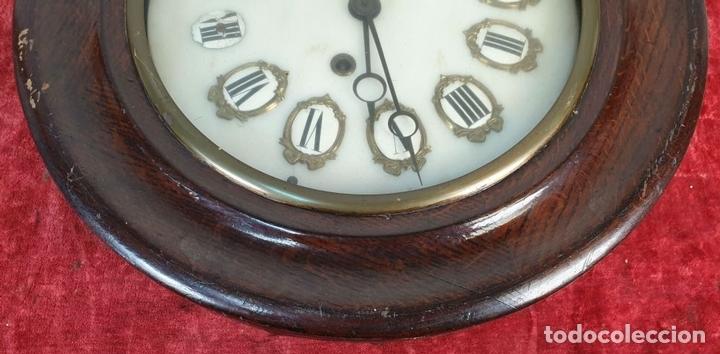 Relojes de pared: RELOJ DE PARED. ESTILO ISABELINO. OJO DE BUEY. MADERA Y METAL. SIGLO XIX-XX. - Foto 5 - 164575246