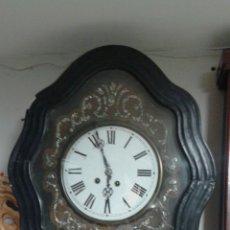 Relojes de pared: RELOJ DE PARED MORET CON INCRUSTACIONES EN CAREY Y NACAR.. Lote 165350740