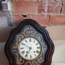 Relojes de pared: ANTIGUO RELOJ OJO DE BUEY SIGLO XIX INCRUSTACIONES DE NÁCAR. Lote 174058235