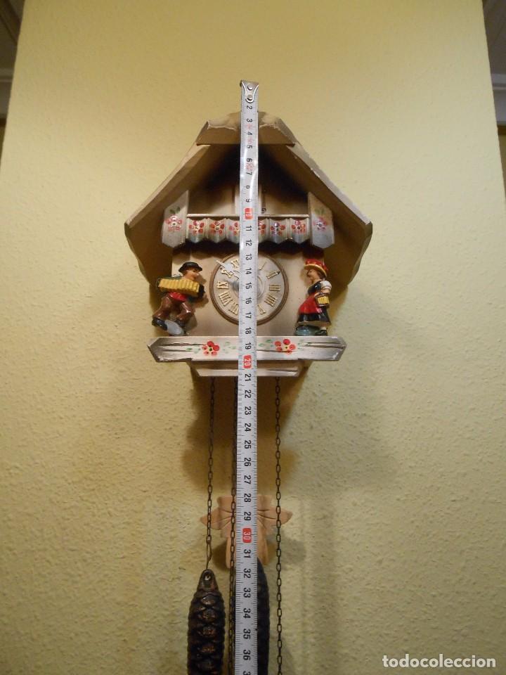 Relojes de pared: PEQUEÑO RELOJ CUCU-CUCO CON FORMA DE CASA. MECÁNICO. - Foto 2 - 167181577