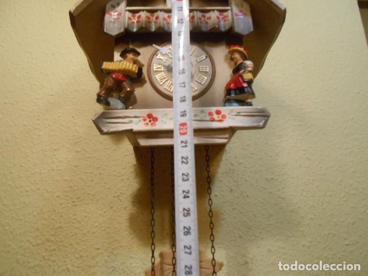 Relojes de pared: PEQUEÑO RELOJ CUCU-CUCO CON FORMA DE CASA. MECÁNICO. - Foto 3 - 167181577