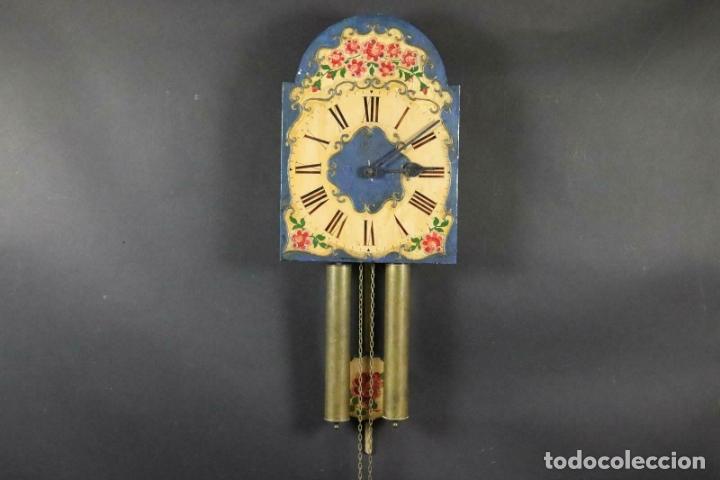 ANTIGUO RELOJ PARED S.XIX PENDULO PESAS SONERIA PINTADO MANO ORIG. FUNCIONANDO PERFECTO 34 X 24,5 CM (Relojes - Pared Carga Manual)