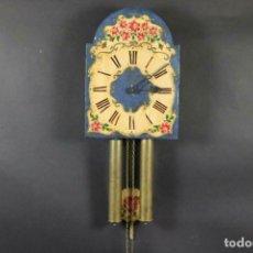 Relojes de pared: ANTIGUO RELOJ PARED S.XIX PENDULO PESAS SONERIA PINTADO MANO ORIG. FUNCIONANDO PERFECTO 34 X 24,5 CM. Lote 167407724