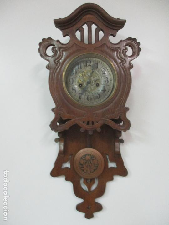 PRECIOSO RELOJ DE PARED, MODERNISTA - MARCA CB, UNIVERSAL DONG - MADERA ROBLE - COMPLETO - FUNCIONA (Relojes - Pared Carga Manual)