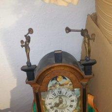 Relojes de pared: MADERA PINTADO A MANO ORIJINAL DE LA EPOCA. Lote 167838932