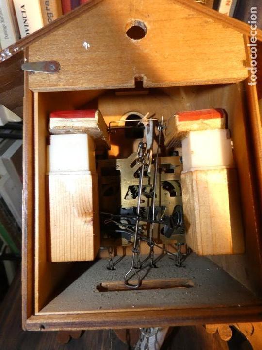 Relojes de pared: Reloj de cuco suizo. Está para restaurar, tiene alguna falta. desconozco si funciona. Madera - Foto 10 - 90415654