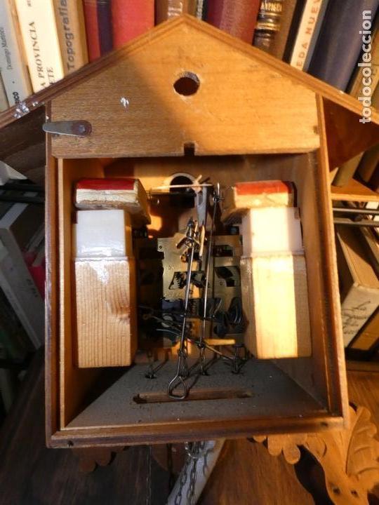 Relojes de pared: Reloj de cuco suizo. Está para restaurar, tiene alguna falta. desconozco si funciona. Madera - Foto 11 - 90415654