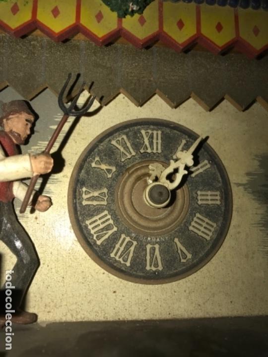 Relojes de pared: Antiguo reloj cuco aleman , pintado a mano leed descripcion - Foto 8 - 169355760