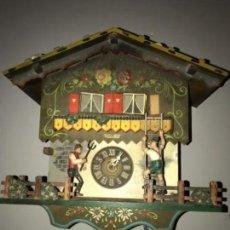 Relojes de pared: ANTIGUO RELOJ CUCO ALEMAN , PINTADO A MANO LEED DESCRIPCION. Lote 169355760