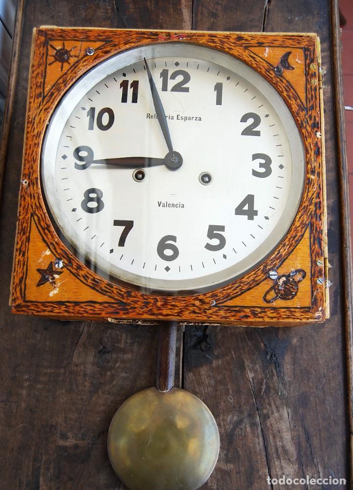 Relojes de pared: ANTIGUO RELOJ DE PARED CARGA MANUAL PUBLICIDAD RELOJERÍA ESPARZA VALENCIA AÑOS 30. - Foto 5 - 169571828