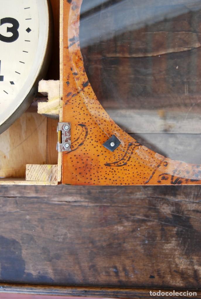Relojes de pared: ANTIGUO RELOJ DE PARED CARGA MANUAL PUBLICIDAD RELOJERÍA ESPARZA VALENCIA AÑOS 30. - Foto 10 - 169571828