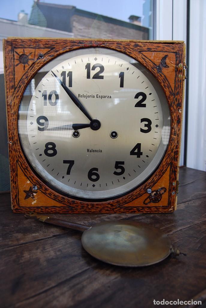 Relojes de pared: ANTIGUO RELOJ DE PARED CARGA MANUAL PUBLICIDAD RELOJERÍA ESPARZA VALENCIA AÑOS 30. - Foto 14 - 169571828