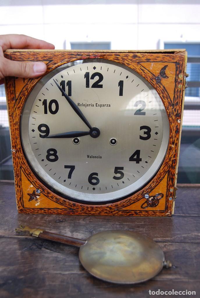 Relojes de pared: ANTIGUO RELOJ DE PARED CARGA MANUAL PUBLICIDAD RELOJERÍA ESPARZA VALENCIA AÑOS 30. - Foto 19 - 169571828