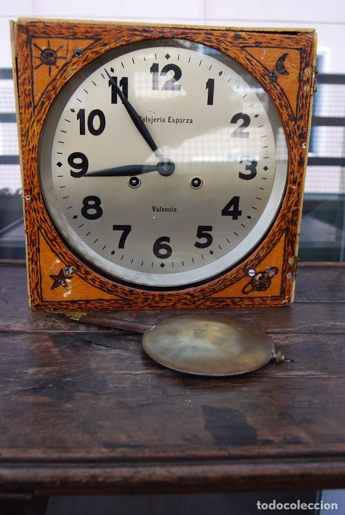 Relojes de pared: ANTIGUO RELOJ DE PARED CARGA MANUAL PUBLICIDAD RELOJERÍA ESPARZA VALENCIA AÑOS 30. - Foto 26 - 169571828