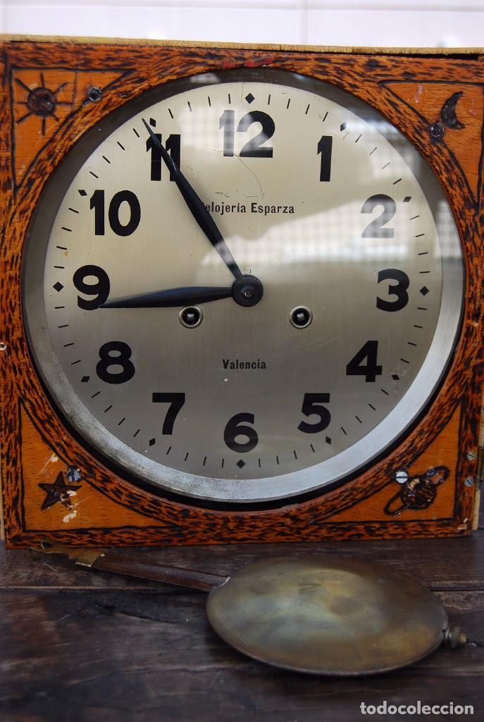 Relojes de pared: ANTIGUO RELOJ DE PARED CARGA MANUAL PUBLICIDAD RELOJERÍA ESPARZA VALENCIA AÑOS 30. - Foto 27 - 169571828