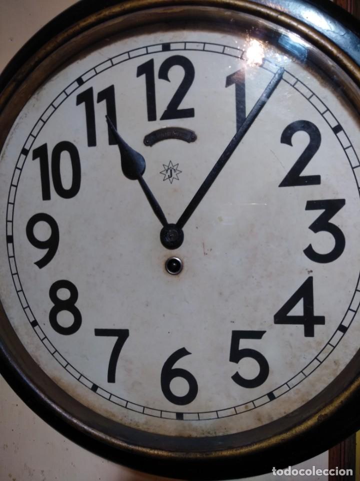 Relojes de pared: RELOJERIA MAURER RELOJ REDONDO OJO DE BUEY DEL BAR PICULIN DE PRAT DEL LLOBREGAT JUNGHANS AÑOS 20 - Foto 3 - 169853460