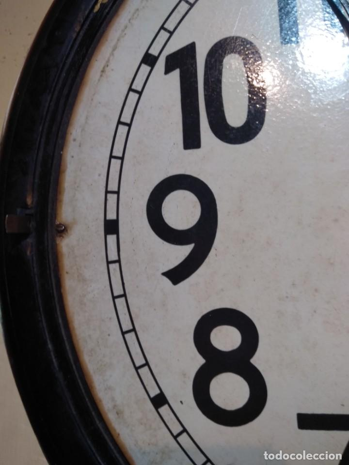Relojes de pared: RELOJERIA MAURER RELOJ REDONDO OJO DE BUEY DEL BAR PICULIN DE PRAT DEL LLOBREGAT JUNGHANS AÑOS 20 - Foto 8 - 169853460