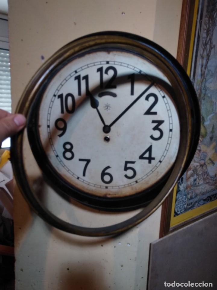 Relojes de pared: RELOJERIA MAURER RELOJ REDONDO OJO DE BUEY DEL BAR PICULIN DE PRAT DEL LLOBREGAT JUNGHANS AÑOS 20 - Foto 12 - 169853460