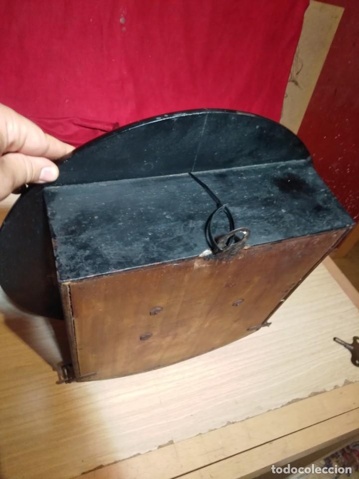 Relojes de pared: RELOJERIA MAURER RELOJ REDONDO OJO DE BUEY DEL BAR PICULIN DE PRAT DEL LLOBREGAT JUNGHANS AÑOS 20 - Foto 17 - 169853460