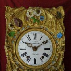 Relojes de pared: ¡¡GRAN OFERTA !! ANTIGUA MAQUINARIA MOREZ POLICROMADA- AÑO 1890- LOTE 130. Lote 170127628