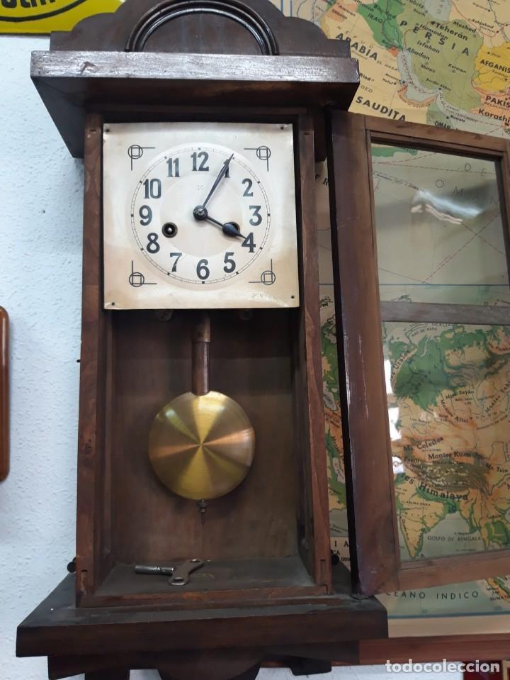 RELOJ DE PARED DE CUERDA. SIN FUNCIONAR. (Relojes - Pared Carga Manual)
