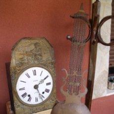 Relojes de pared: ¡¡GRAN OFERTA!! ANTIGUO RELOJ MOREZ DE PESAS-PENDULO DE LIRA- AÑO 1870-LOTE 205 - FUNCIONAL. Lote 171235553