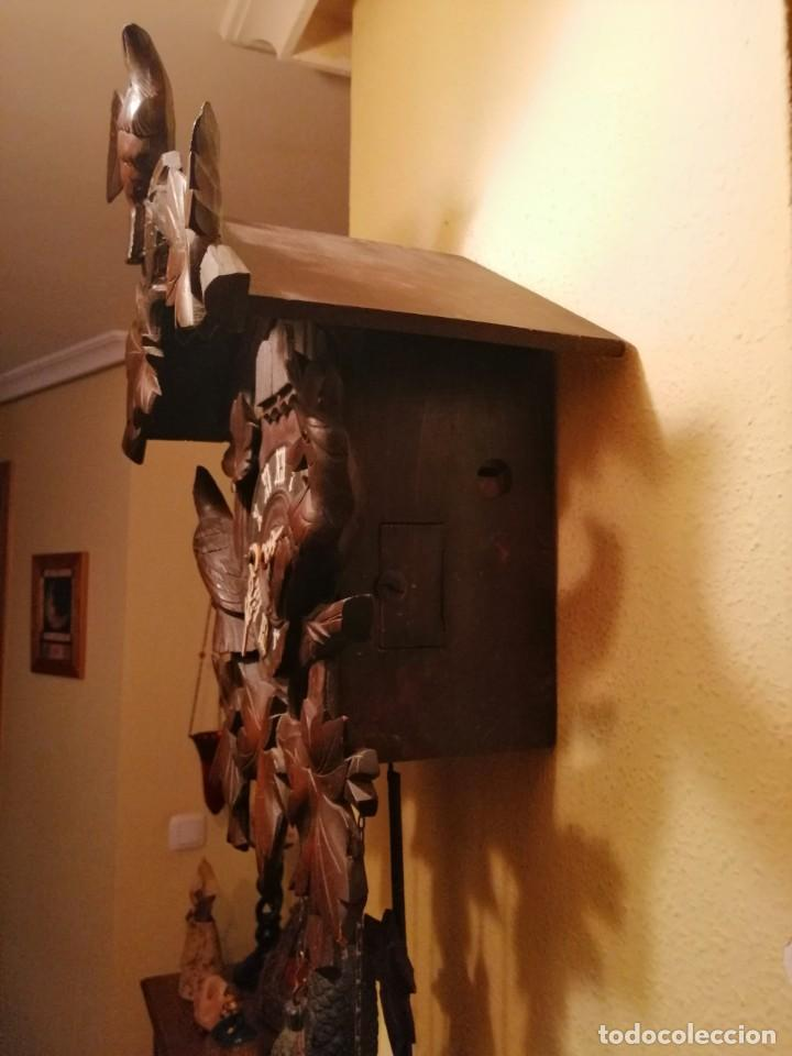 Relojes de pared: ANTIGUO RELOJ CUCU-CUCO TIPO CODORNIZ,CON PÁJAROS DE MADERA QUE MUEVEN LAS ALAS(HUBERT HERR TRIBERG) - Foto 3 - 171249045