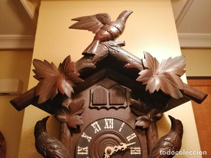 Relojes de pared: ANTIGUO RELOJ CUCU-CUCO TIPO CODORNIZ,CON PÁJAROS DE MADERA QUE MUEVEN LAS ALAS(HUBERT HERR TRIBERG) - Foto 4 - 171249045
