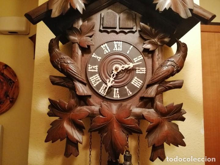 Relojes de pared: ANTIGUO RELOJ CUCU-CUCO TIPO CODORNIZ,CON PÁJAROS DE MADERA QUE MUEVEN LAS ALAS(HUBERT HERR TRIBERG) - Foto 5 - 171249045