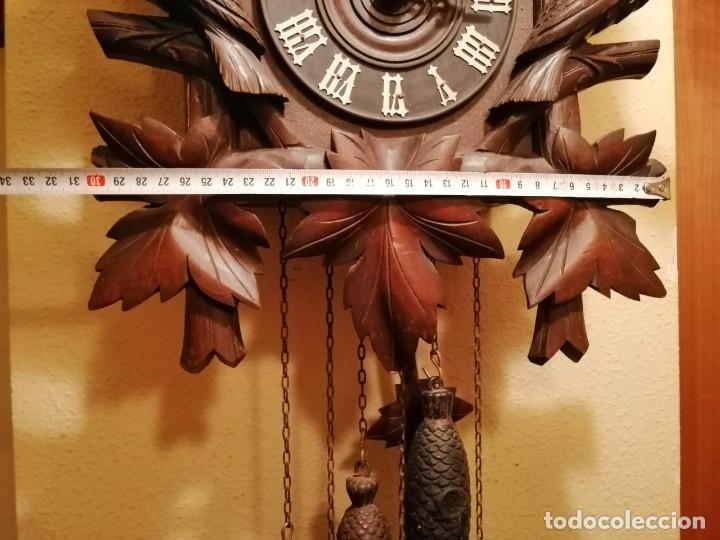 Relojes de pared: ANTIGUO RELOJ CUCU-CUCO TIPO CODORNIZ,CON PÁJAROS DE MADERA QUE MUEVEN LAS ALAS(HUBERT HERR TRIBERG) - Foto 10 - 171249045