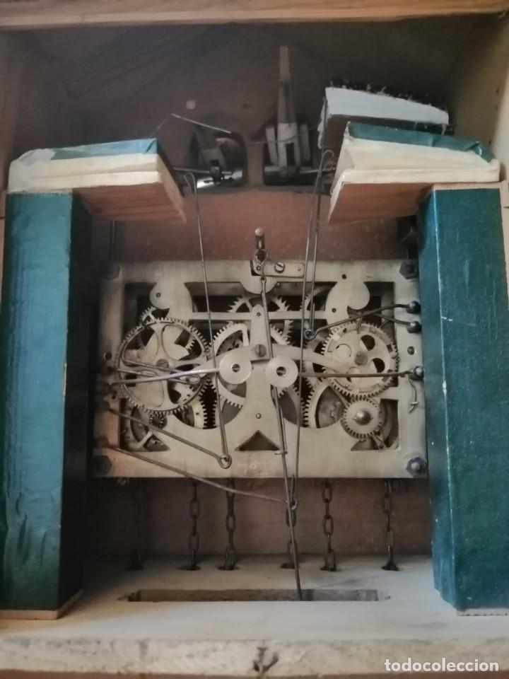 Relojes de pared: ANTIGUO RELOJ CUCU-CUCO TIPO CODORNIZ,CON PÁJAROS DE MADERA QUE MUEVEN LAS ALAS(HUBERT HERR TRIBERG) - Foto 15 - 171249045