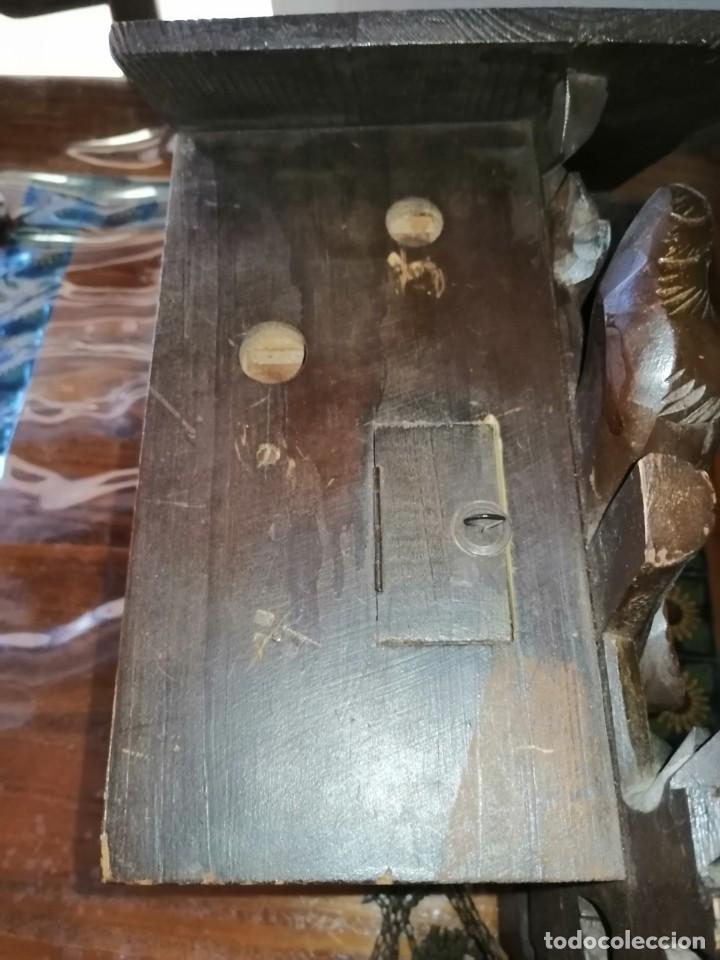 Relojes de pared: ANTIGUO RELOJ CUCU-CUCO TIPO CODORNIZ,CON PÁJAROS DE MADERA QUE MUEVEN LAS ALAS(HUBERT HERR TRIBERG) - Foto 29 - 171249045