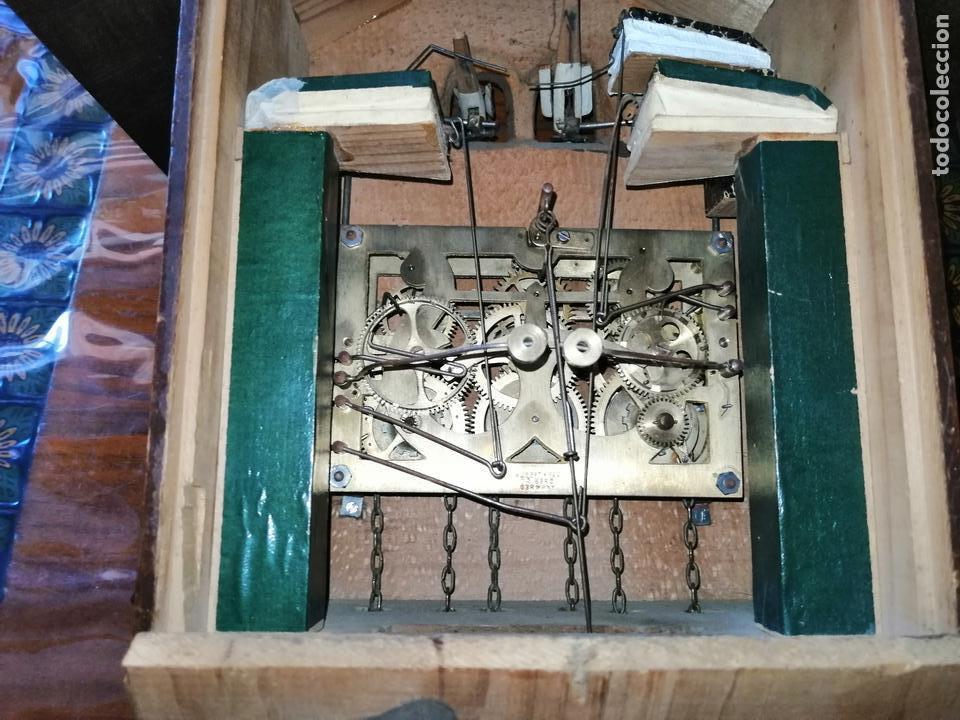 Relojes de pared: ANTIGUO RELOJ CUCU-CUCO TIPO CODORNIZ,CON PÁJAROS DE MADERA QUE MUEVEN LAS ALAS(HUBERT HERR TRIBERG) - Foto 18 - 171249045