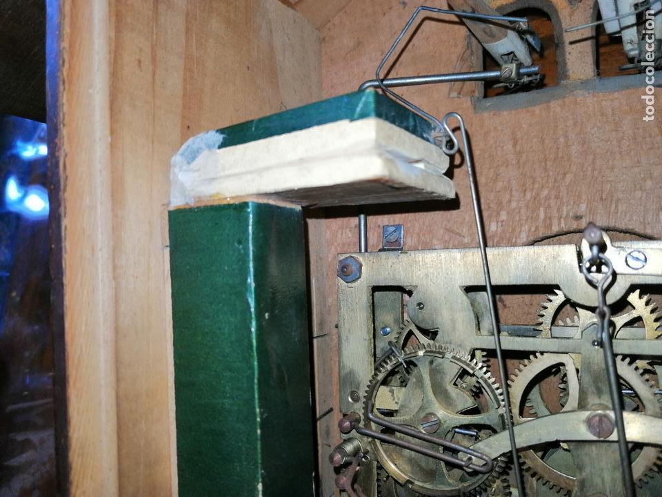 Relojes de pared: ANTIGUO RELOJ CUCU-CUCO TIPO CODORNIZ,CON PÁJAROS DE MADERA QUE MUEVEN LAS ALAS(HUBERT HERR TRIBERG) - Foto 19 - 171249045