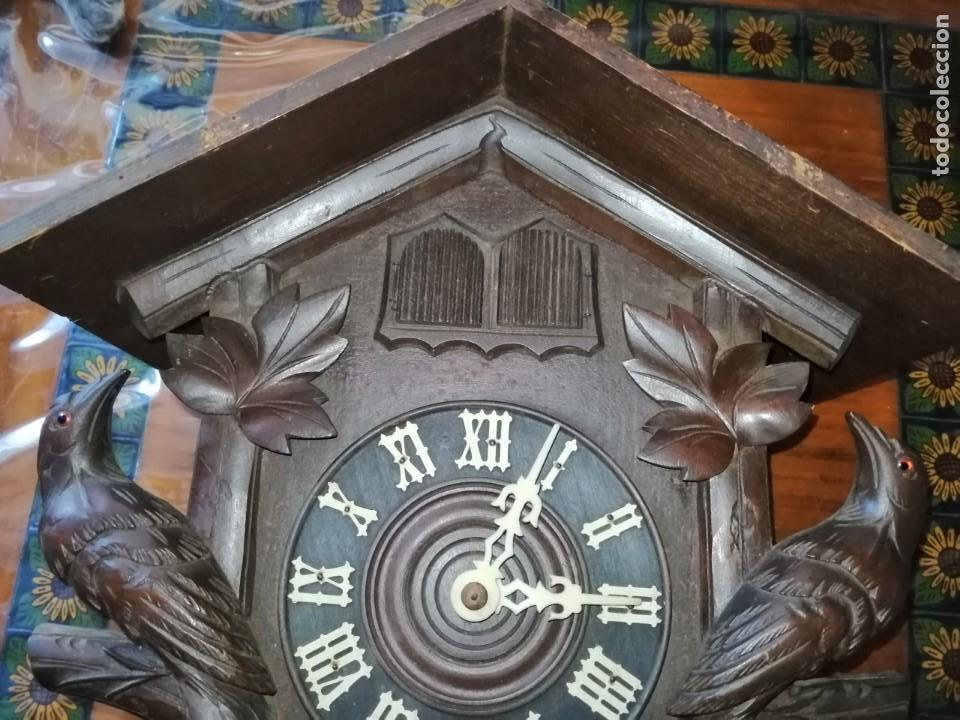 Relojes de pared: ANTIGUO RELOJ CUCU-CUCO TIPO CODORNIZ,CON PÁJAROS DE MADERA QUE MUEVEN LAS ALAS(HUBERT HERR TRIBERG) - Foto 25 - 171249045