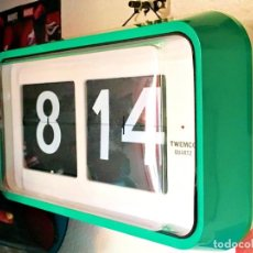 Relojes de pared: RELOJ PARED NUMEROS VOLCABLES EN VERDE TWENCO XXL. Lote 171277550