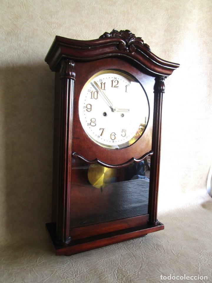 Relojes de pared: antiguo reloj pared caja madera restaurado funciona! - Foto 2 - 171450212