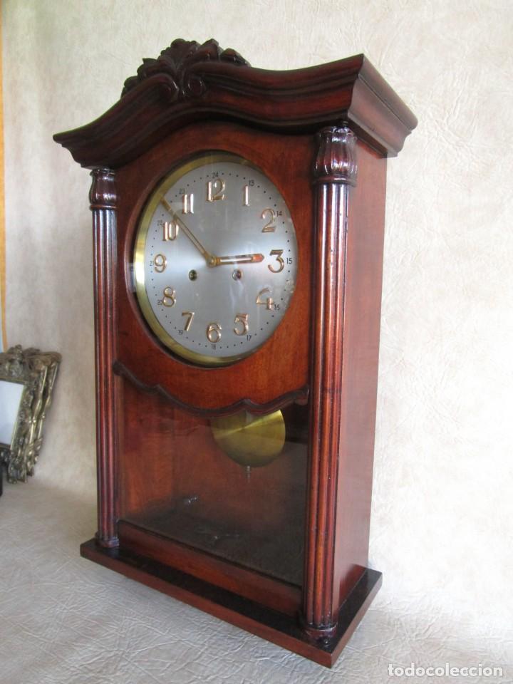 Relojes de pared: antiguo reloj pared caja madera restaurado funciona! - Foto 3 - 171450212