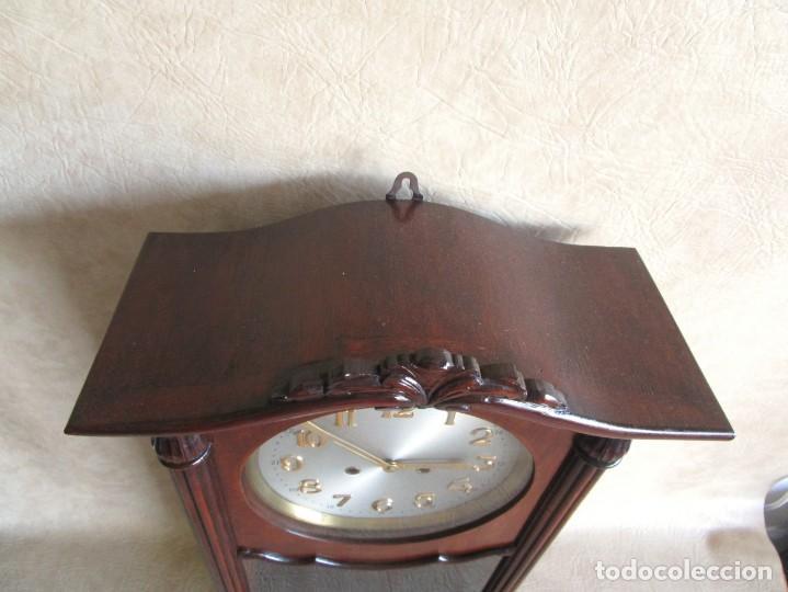 Relojes de pared: antiguo reloj pared caja madera restaurado funciona! - Foto 5 - 171450212