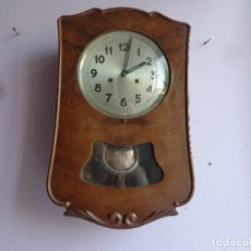 Relojes de pared: MUY ANTIGUO Y BONITO RELOJ A CUERDAS CON SONERIA DE HORAS MEDIAS COMPLETO FUNCIONANDO. Lote 172013015