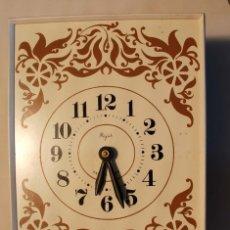 Horloges murales: RELOJ PARED MARCA MAJAK ANTIGUA URSS. . Lote 172361969