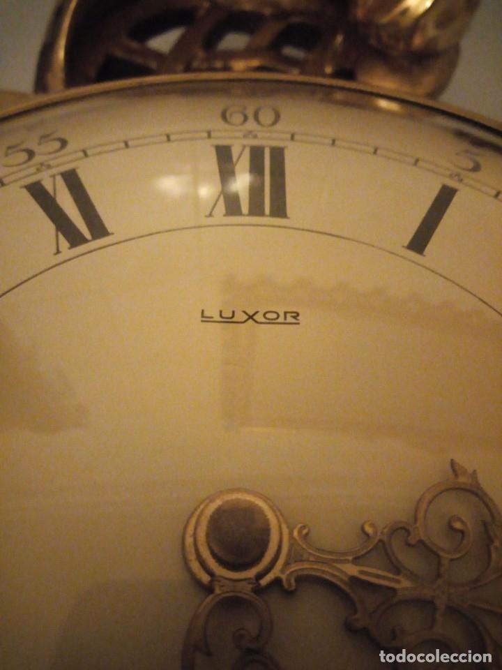 Relojes de pared: espectacular reloj de pared de carga manual luxor suisse made,madera recubierta de porcelana con oro - Foto 4 - 172787003