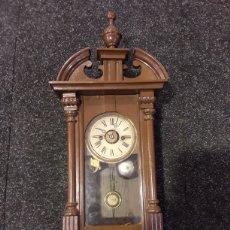 Relojes de pared: RELOJ DE PARED CON CAJA. Lote 173118735
