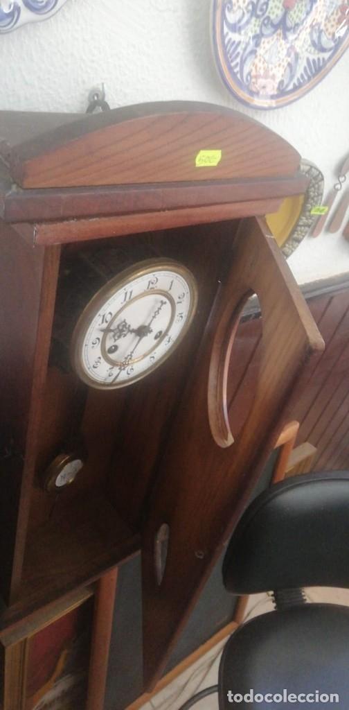 Relojes de pared: MAGNÍFICO RELOJ PORCELANA DE PÉNDULO EN CAJA MADERA 64 Alto x 23,5 Ancho x 10 cm.FONDO. - Foto 3 - 173670627